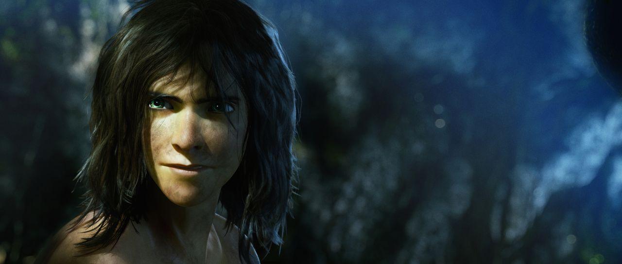 Die Augen des jungen Dschungelkindes Tarzan funkeln. Doch was hat er gesehen? - Bildquelle: Constantin Film