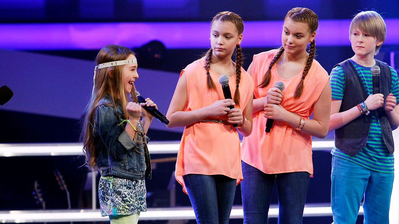 The-Voice-Kids-epi05-GiulianaGillianaTimFabienne-1-SAT1-Richard-Huebner - Bildquelle: SAT.1/Richard Hübner
