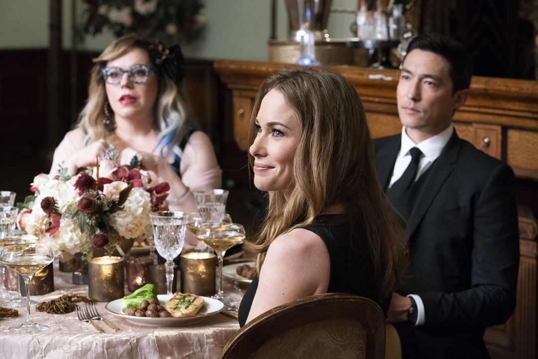 (v.l.n.r.) Penelope Garcia (Kirsten Vangsness); Kristy Simmons (Kelly Frye); Matt Simmons (Daniel Henney) - Bildquelle: Cliff Lipson 2019 CBS Broadcasting, Inc. All Rights Reserved/Cliff Lipson