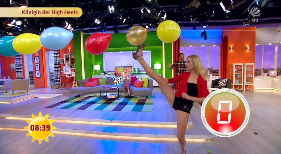 In high heels moderatorinnen Ina Dietz