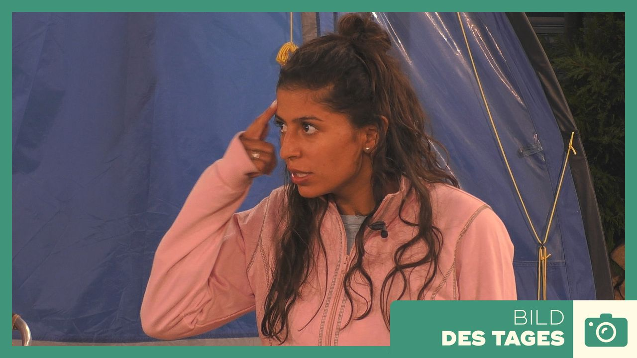 """Promi Big Brother"" 2019: Eva ist sauer - Tag 3 - Bildquelle: SAT.1"