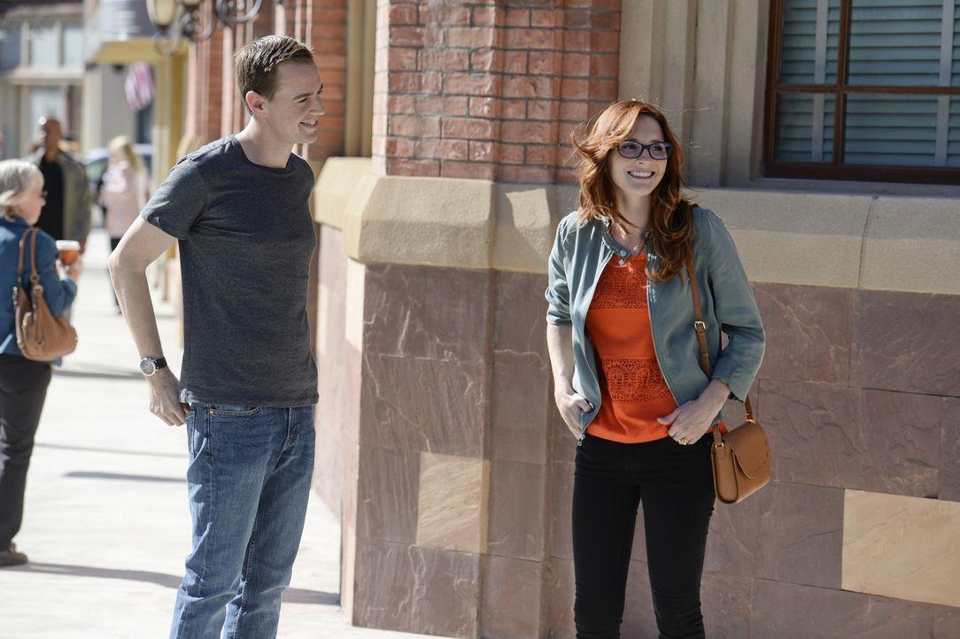 Hat Lauren Hudson (Stephanie Koenig, r.) etwas mit dem aktuellen Fall zu tun? McGee (Sean Murray, l.) ermittelt undercover, um dies herauszufinden ... - Bildquelle: Darren Michaels CBS Television
