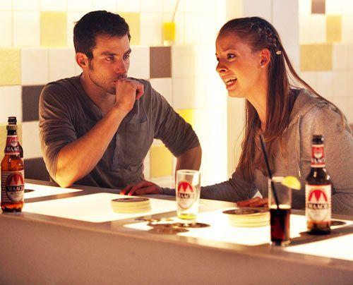Während Michael mit Bea glücklich ist, macht Lara Sebastian für die Trennung ihrer Eltern verantwortlich. - Bildquelle: David Saretzki - Sat1