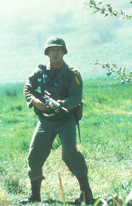 """14. November 1965, Vietnam: Im Tal la Drang, allgemein bekannt als das Tal des Todes, landen auf einer kleinen Wiese die Helikopter der U.S. 7th """"Ai... - Bildquelle: Paramount Pictures"""