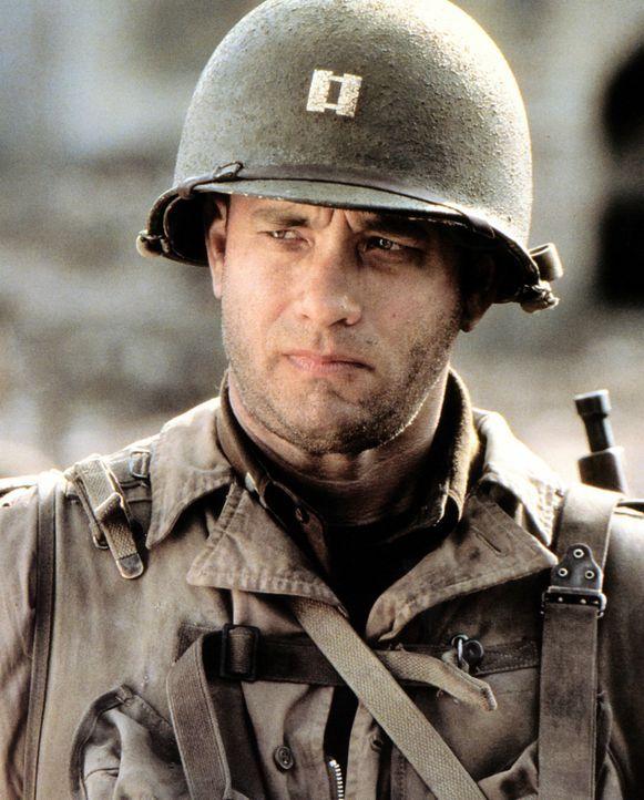 Captain John Miller (Tom Hanks), der Omaha Beach überlebt hat, wird dazu auserkoren, mit einem Team von acht Männern den blutjungen Fallschirmjäg... - Bildquelle: United International Pictures