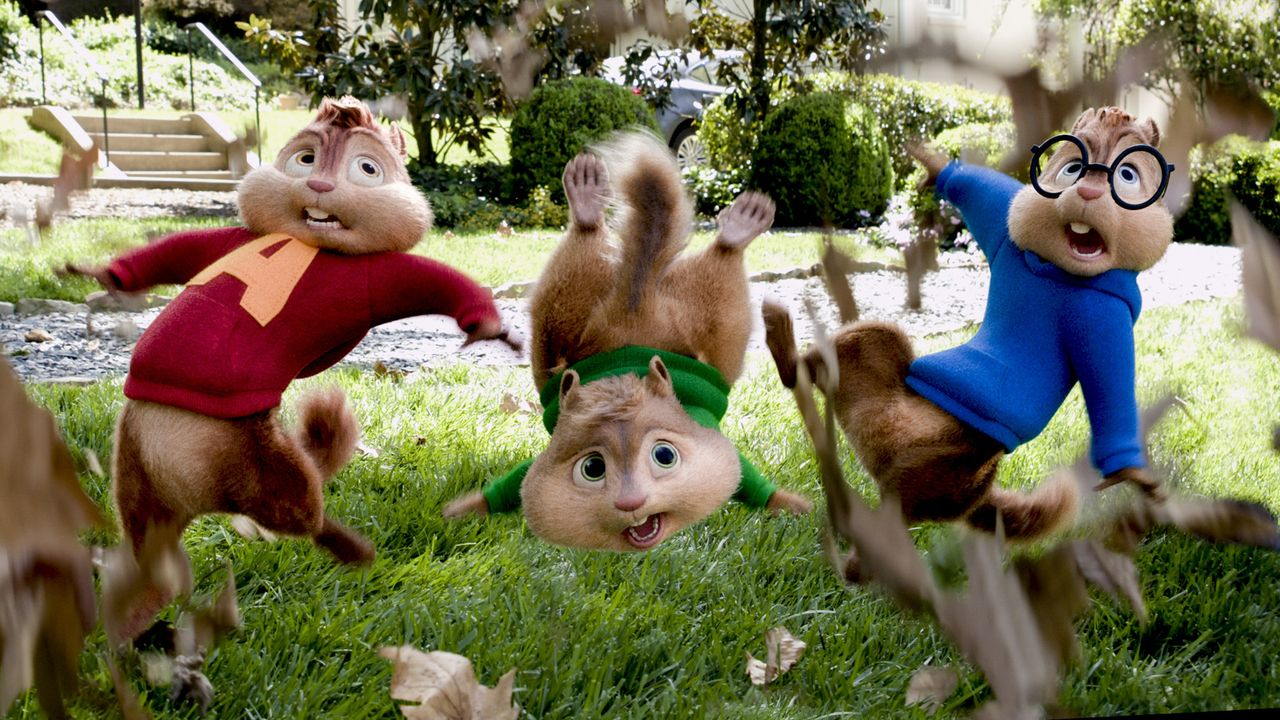 Das Chaos ist vorprogrammiert: Die Chipmunks (v.l.n.r.) Alvin, Theodore und Simon sorgen auf ihrer wilden Reise quer durch das Land für allerhand Tr... - Bildquelle: 2015 Twentieth Century Fox Film Corporation.  All rights reserved.  Alvin and the Chipmunks, the Chipettes and Characters TM &   2015 Bagdasarian Pr