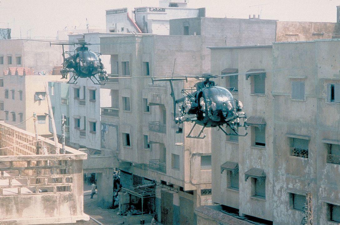 1993 werden US-Eliteeinheiten ins ostafrikanische Somalia entsandt, um den Einsatz der UNO-Friedenstruppen zu unterstützen. Für den 3. Oktober pla... - Bildquelle: Columbia Pictures