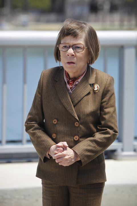 Glaubt an die Unschuld von Sam. Doch wird Hetty (Linda Hunt) Recht behalten? - Bildquelle: 2014 CBS Broadcasting, Inc. All Rights Reserved.