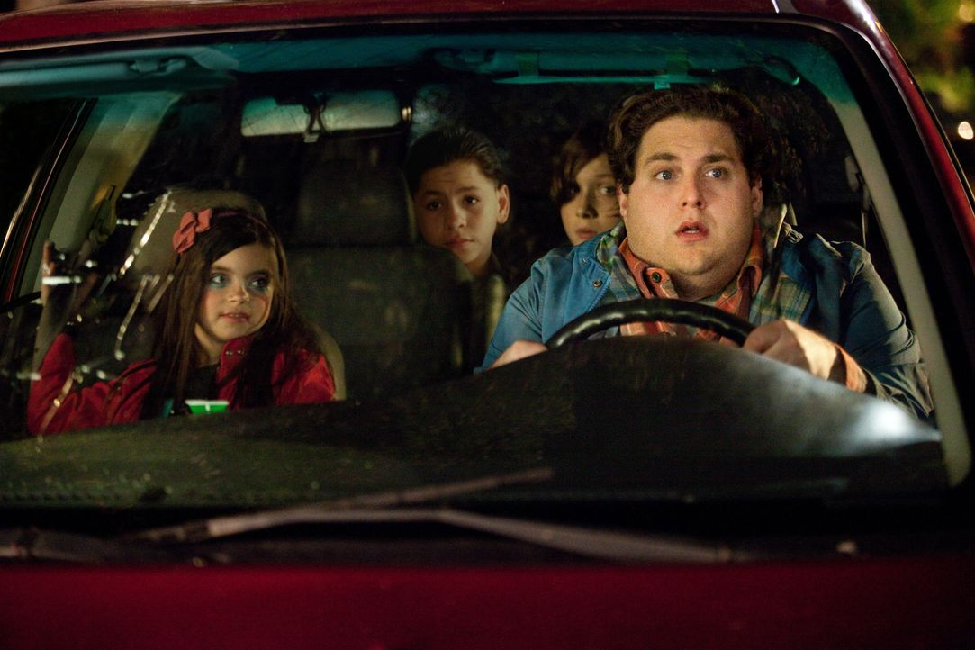 Als Noah (Jonah Hill, r.) für einen vermeintlichen Kurztrip in die Stadt muss, bleibt ihm schließlich nichts anderes übrig, als die ihm anvertrauten... - Bildquelle: Jessica Miglio 2011 Twentieth Century Fox Film Corporation. All rights reserved. / Jessica Miglio