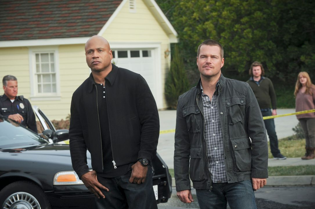 Müssen einen neuen Fall aufdecken: Callen (Chris O'Donnell, r.) und Sam (LL Cool J, l.) ... - Bildquelle: CBS Studios Inc. All Rights Reserved.