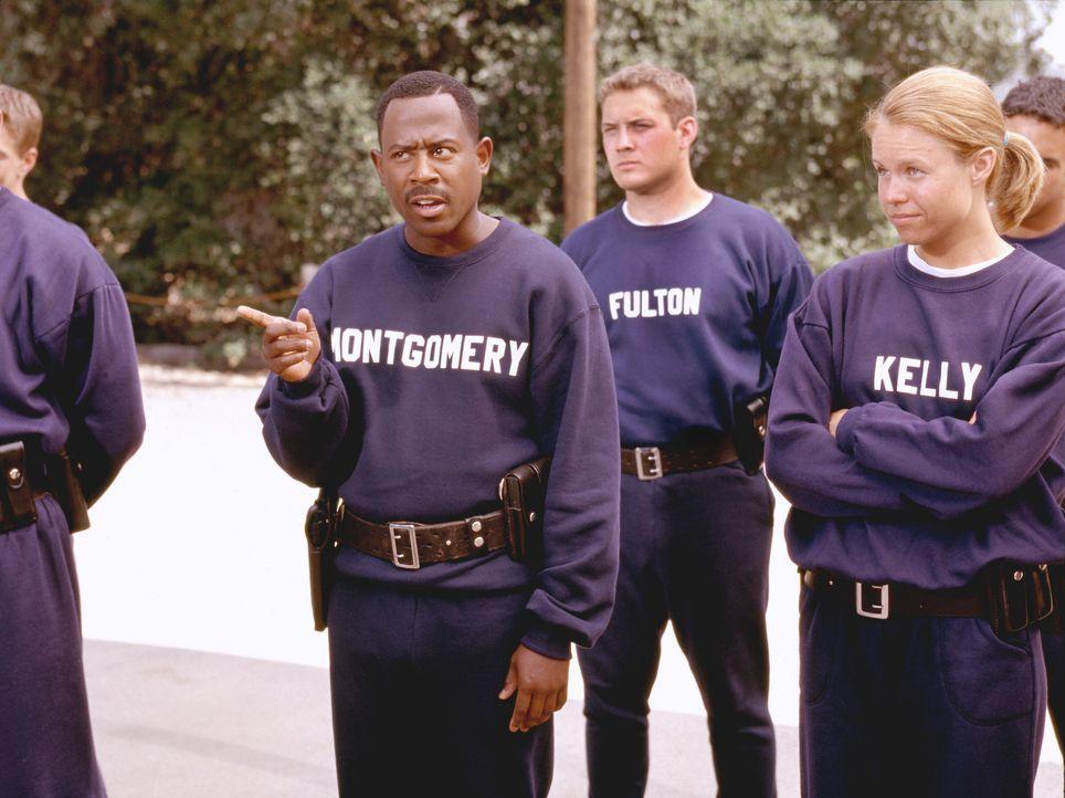 Einst war Earl Montgomery (Martin Lawrence) Kadett an der Polizei-Akademie. Er hätte ein guter Polizist werden können. doch er ist viel zu rebellisc... - Bildquelle: 2004 Sony Pictures Television International. All Rights Reserved.