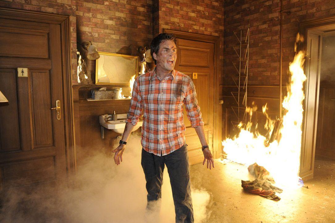 Die Goldelse brennt und für Lars (Alexander Klaws) beginnt ein Kampf um Leben und Tod ... - Bildquelle: SAT.1