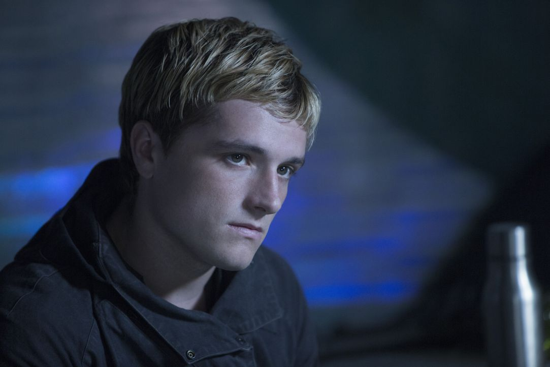 Lange Zeit war Peeta (Josh Hutcherson) im Capitol psychischer Folter ausgesetzt, jetzt glaubt er, dass Katniss immer ein falsches Spiel gespielt und... - Bildquelle: Murray Close TM & © 2015 Lions Gate Entertainment Inc. All rights reserved. / Murray Close