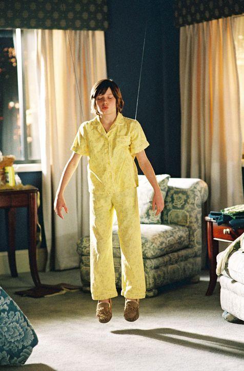 Eliza Naumann (Flora Cross) ist ein ganz normales elfjähriges Mädchen. Bis sie plötzlich reihenweise Buchstabierwettbewerbe gewinnt und damit die Fa... - Bildquelle: Copyright   2005 Twentieth Century Fox