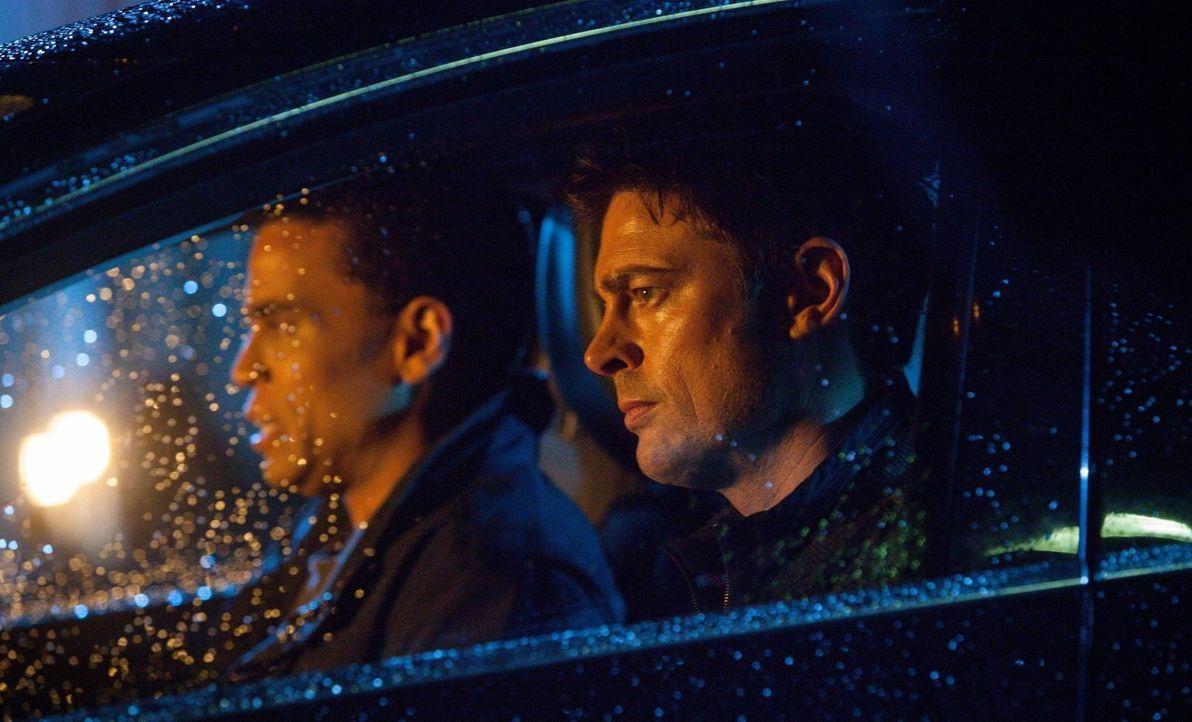 Noch ahnen weder Dorian (Michael Ealy, l.) noch John (Karl Urban, r.), welche Auswirkungen die seltsamen Erinnerungen bei Dorian haben werden ... - Bildquelle: Warner Bros. Television