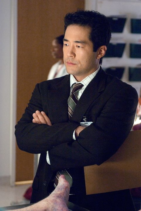 Ermittelt in einem komplizierten Mordfall: Kimball Cho (Tim Kang) ... - Bildquelle: Warner Bros. Television
