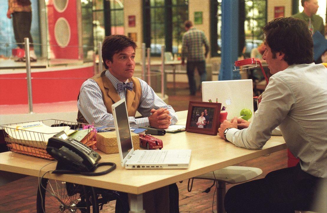 Noch ahnt Tom (Zach Braff, r.) nicht, dass sein neuer Kollege Chip (Jason Bateman, l.), Sofias Ex, immer ein As im Ärmel hat ...