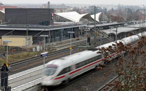 BahnDie Deutsche Bahn hat die Preise im Regional- und Fernverkehr bereits Mi...