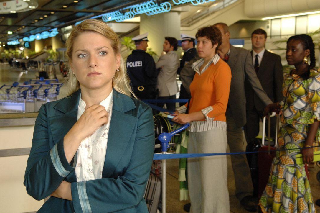 Anna (Jeanette Biedermann) ist verzweifelt. Sie glaubt, Jonas verpasst zu haben ... - Bildquelle: Sat.1