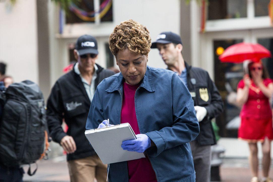 Als bei einen Spendenlauf plötzlich eine tote Frau entdeckt wird, beginnt für Wade (CCH Pounder) und ihre Kollegen die Suche nach dem Mörder ... - Bildquelle: Skip Bolen 2014 CBS Broadcasting, Inc. All Rights Reserved