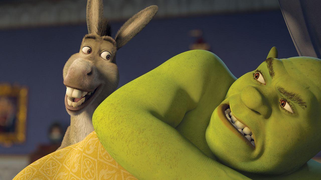 Am Sterbebett verrät der König seinem Schwiegersohn Shrek, dass es einen Ausweg gibt, der ihn von seinen Pflichten als König befreien könnte: der ju... - Bildquelle: TM &   2007 Dreamworks Animation LLC