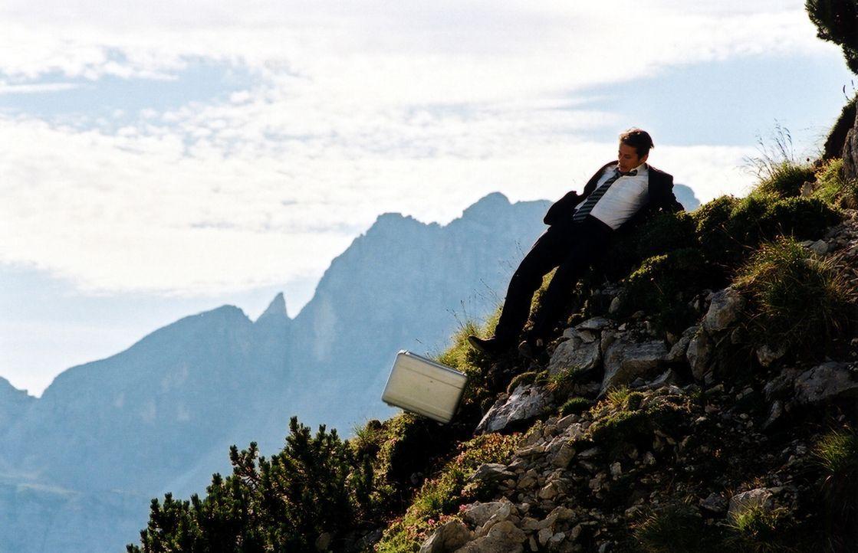 Es gibt Tage, da läuft einfach alles schief: Robert Berndssen (Roman Knizka) ... - Bildquelle: Barbara Bauriedl