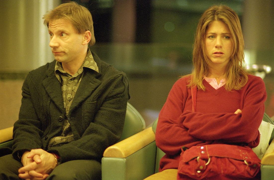 Aaron (Simon McBurney, l.) ist der Mann von Olivias (Jennifer Aniston, r.) bester Freundin, doch die beiden haben sich nicht viel zu sagen ... - Bildquelle: 2006 Sony Pictures Classics Inc. for the Universe excluding Australia/NZ and Scandinavia (but including Iceland). All Rights Reserved.