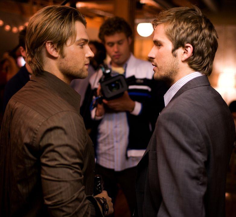 Als Rob (Michael Stahl-David, r.) einen Job in Japan antreten will, organisiert sein Bruder Jason (Mike Vogel, l.) eine große Abschiedsparty. Zunäch... - Bildquelle: Paramount Pictures