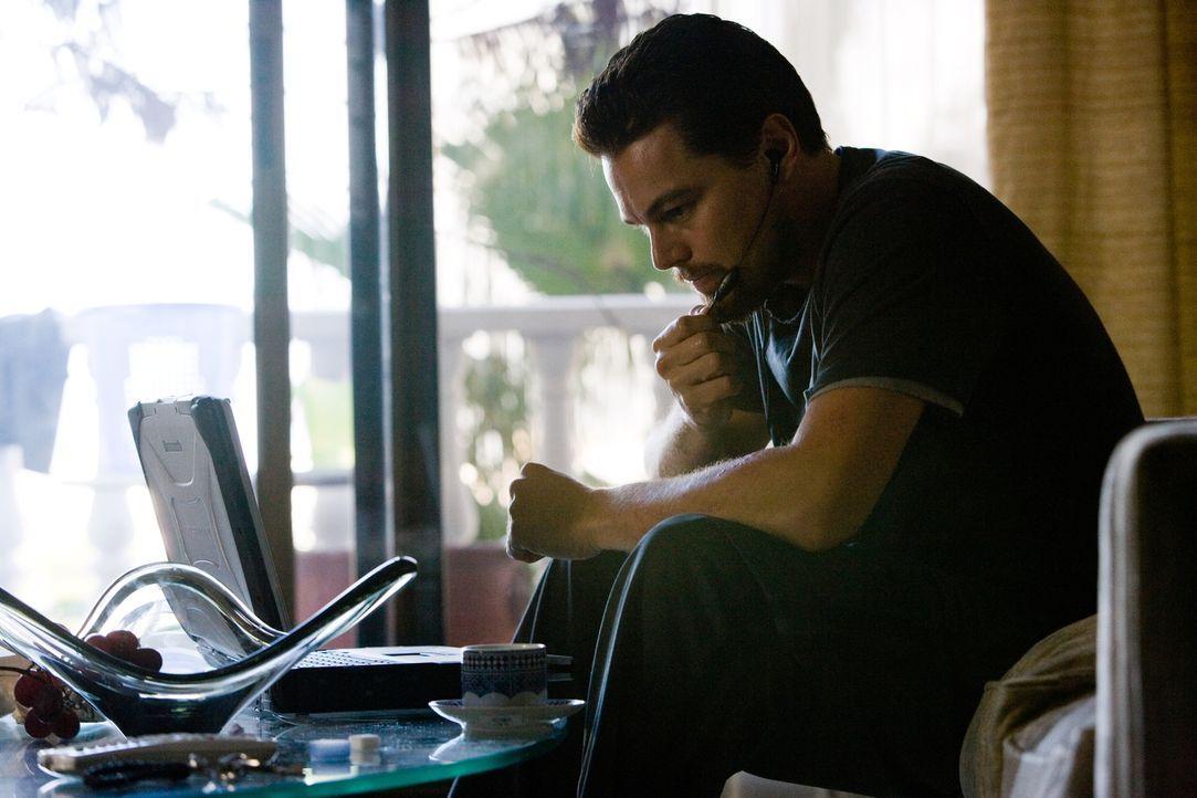 Er ist der beste Mann des US-Geheimdienstes: Doch Roger Ferris' (Leonardo DiCaprio) Leben hängt von einer unpersönlichen Stimme ab, mit der er über... - Bildquelle: Warner Brothers
