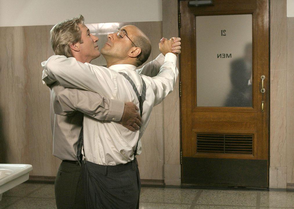 Üben für einen Tanzwettbewerb: John (Richard Gere, l.) und Link (Stanley Tucci, r.) ... - Bildquelle: Buena Vista International Television