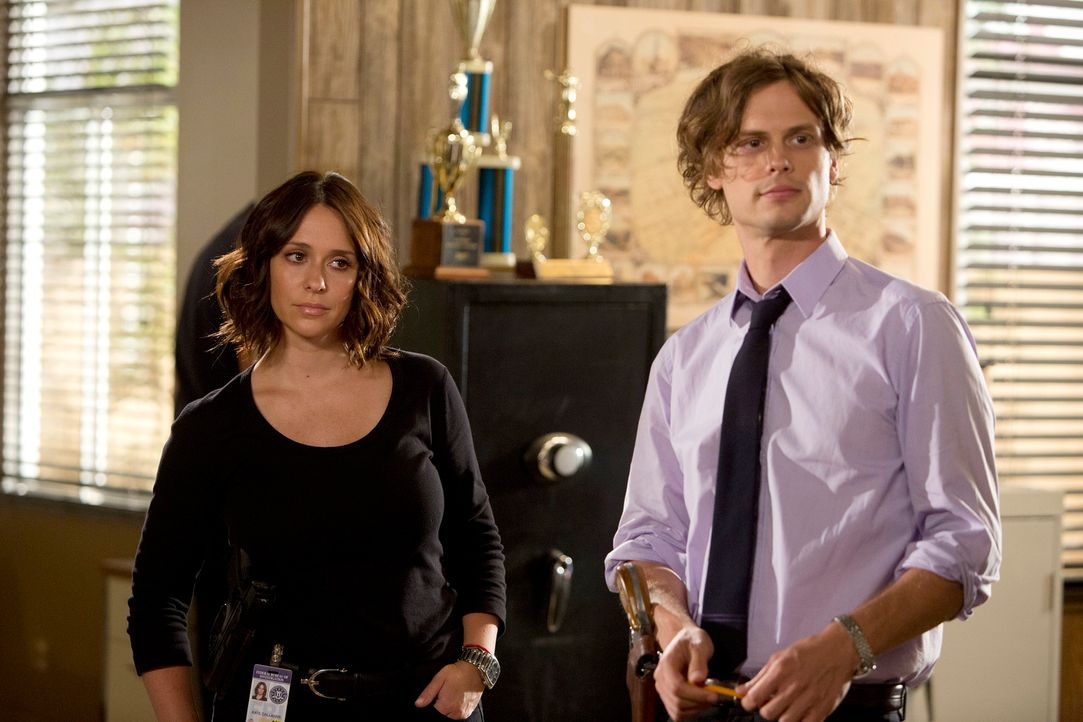 Gemeinsam versuchen sie, einen Serientäter zu fassen: Reid (Matthew Gray Gubler, r.) und Kate Callahan (Jennifer Love Hewitt, l.) ... - Bildquelle: Monty Brinton ABC Studios
