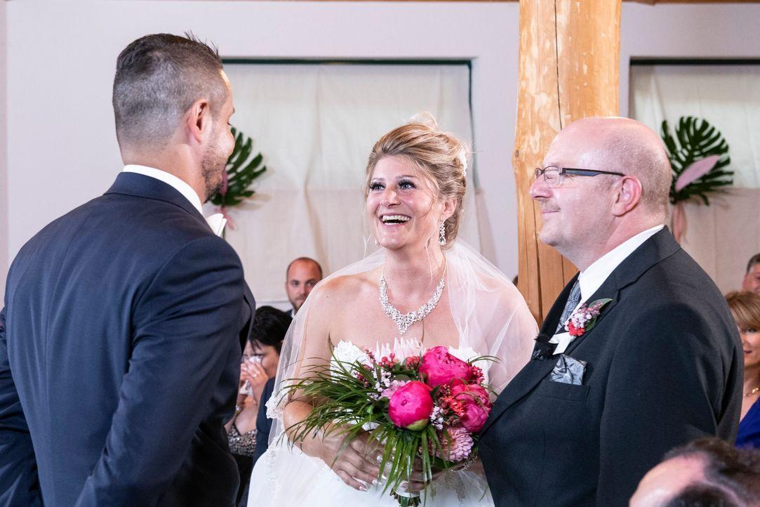 Samantha und Serkan: Die Hochzeit10 - Bildquelle: SAT.1 / Christoph Assmann