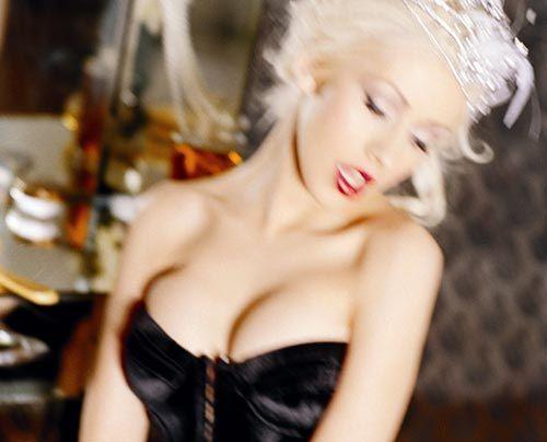 Galerie: Christina Aguilera | Heissssss! - Bildquelle: Ellen von Unwerth - Sony BMG