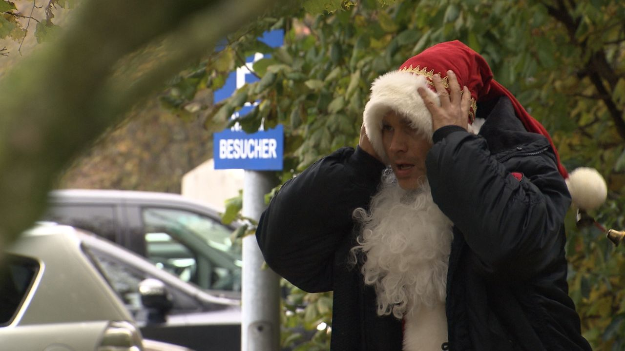 Wer-glaubt-schon-an-den-Weihnachtsmann15 - Bildquelle: SAT.1