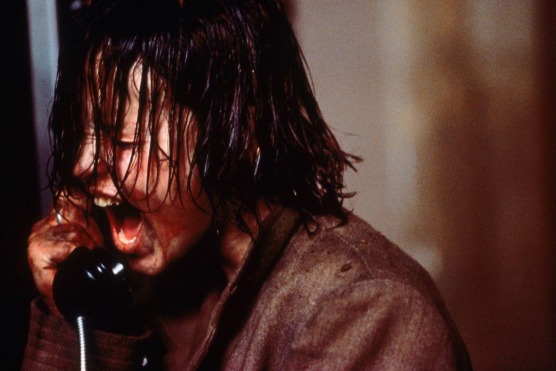 Erst nach und nach offenbart Liz (Thora Birch), welch grauenvolle Tage sie im Bunker verlebte ... - Bildquelle: Tobis StudioCanal