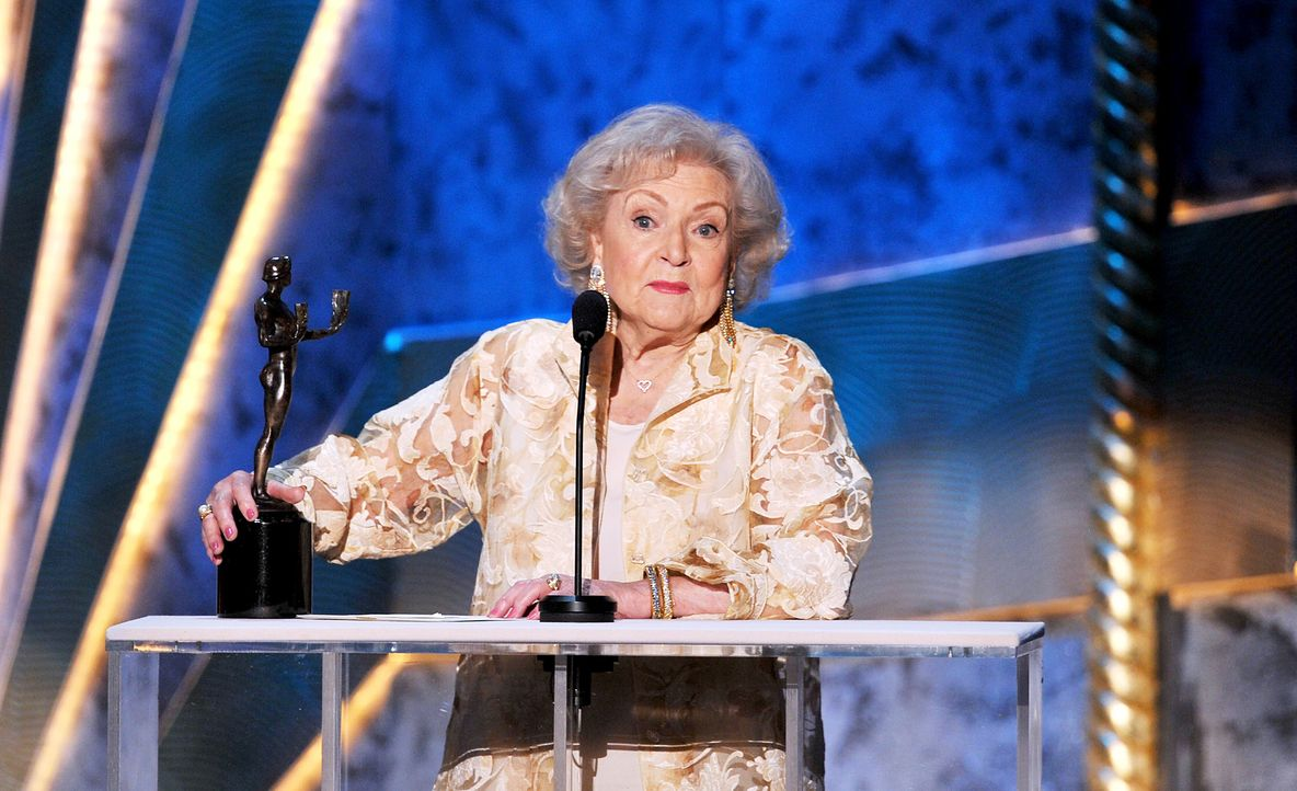 Schauspielerin Betty White bei den Screen Actors Guild Awards (SAG)  - Bildquelle: getty-AFP