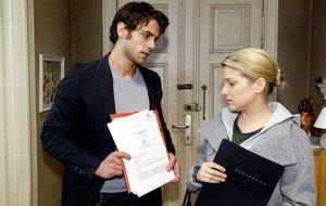 Jonas (Roy Peter Link, l.) und Anna (Jeanette Biedermann, r.)