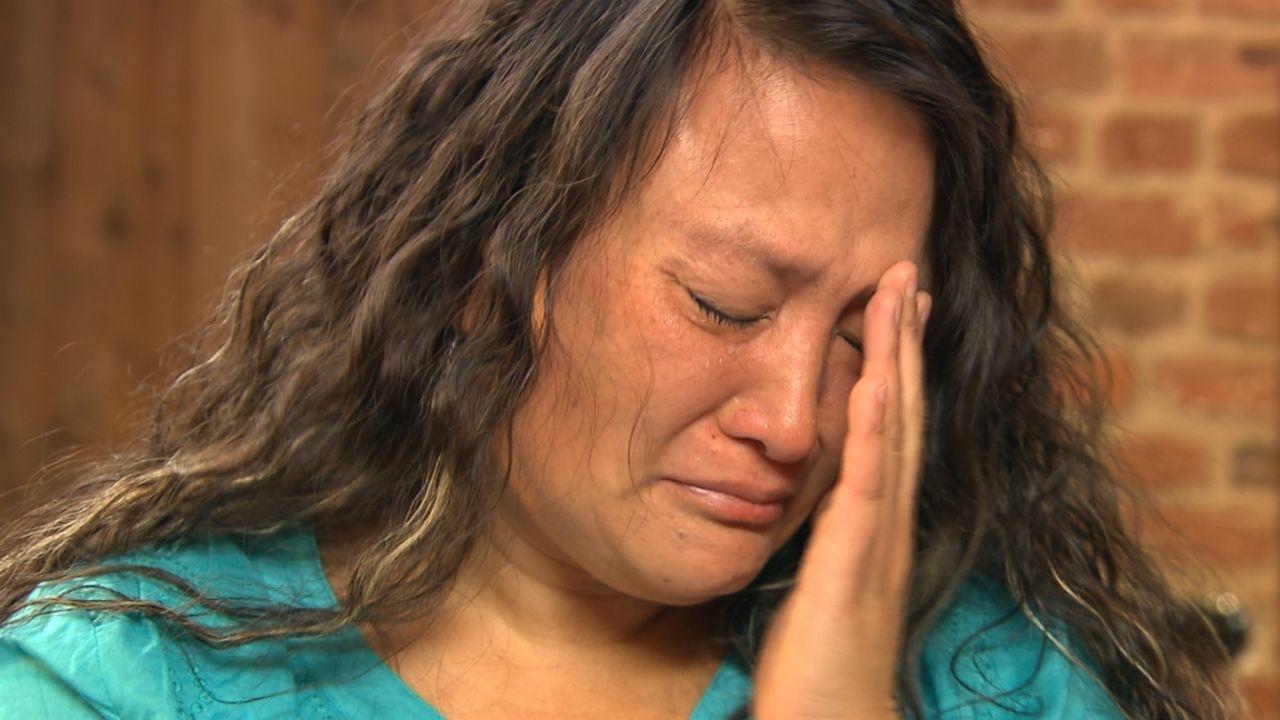 Michaela setzt auf Julias Spürsinn. Die gebürtige Thailänderin wurde als Kind von ihrem Vater zur Adoption freigegeben und wuchs in Österreich auf.... - Bildquelle: SAT.1