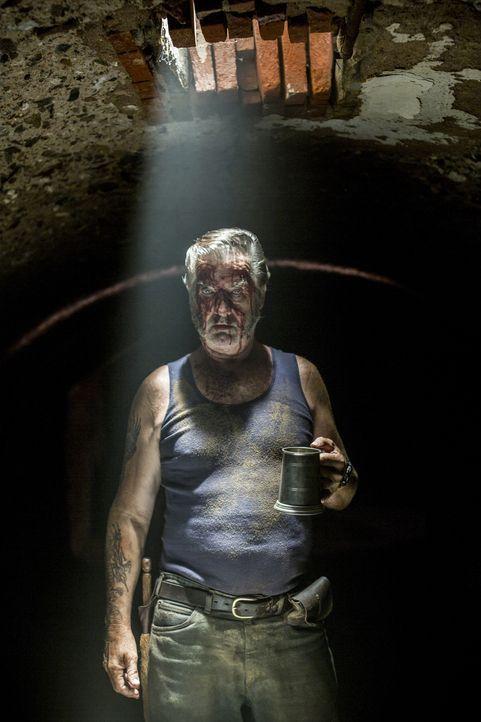 Hat ungeheure Freude daran, andere leiden zu sehen: Outback-Killer Mick Taylor (John Jarratt) ... - Bildquelle: Mark Rogers 2013