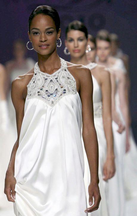 Hochzeitskleider-13-dpa - Bildquelle: dpa