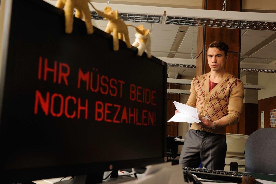Josephine und Fritz werden anonym bedroht - Patrick (Joachim Förster) und die anderen Kollegen machen sich Sorgen um die beiden ... - Bildquelle: Hardy Spitz SAT.1