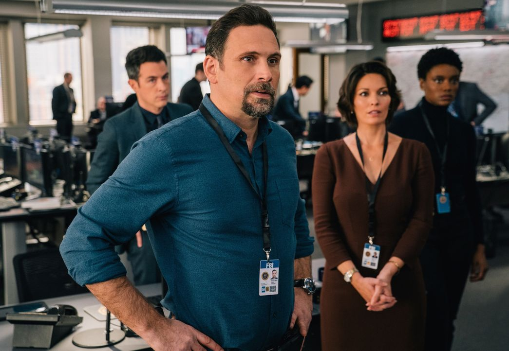 (v.l.n.r.) Stuart Scola (John Boyd); Jubal Valentine (Jeremy Sisto); Isobel Castille (Alana De La Garza); Tiffany Wallace (Katherine Renee Turner) - Bildquelle: Michael Parmelee 2020 CBS Broadcasting Inc. All Rights Reserved. / Michael Parmelee