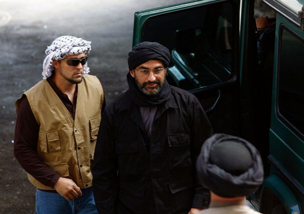 In Beirut befinden sich Spezialkräfte im Einsatz um Abu Nazir (Navid Negahban, M.) auszuschalten, doch dieser wird gewarnt. Wer ist der Maulwurf? - Bildquelle: 20th Century Fox International Television