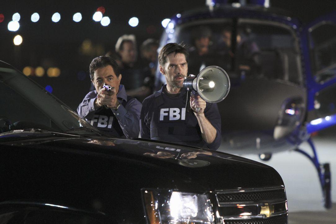 Wollen unbedingt einen Fall lösen: Hotch (Thomas Gibson, r.) und Rossi (Joe Mantegna, l.) ... - Bildquelle: ABC Studios