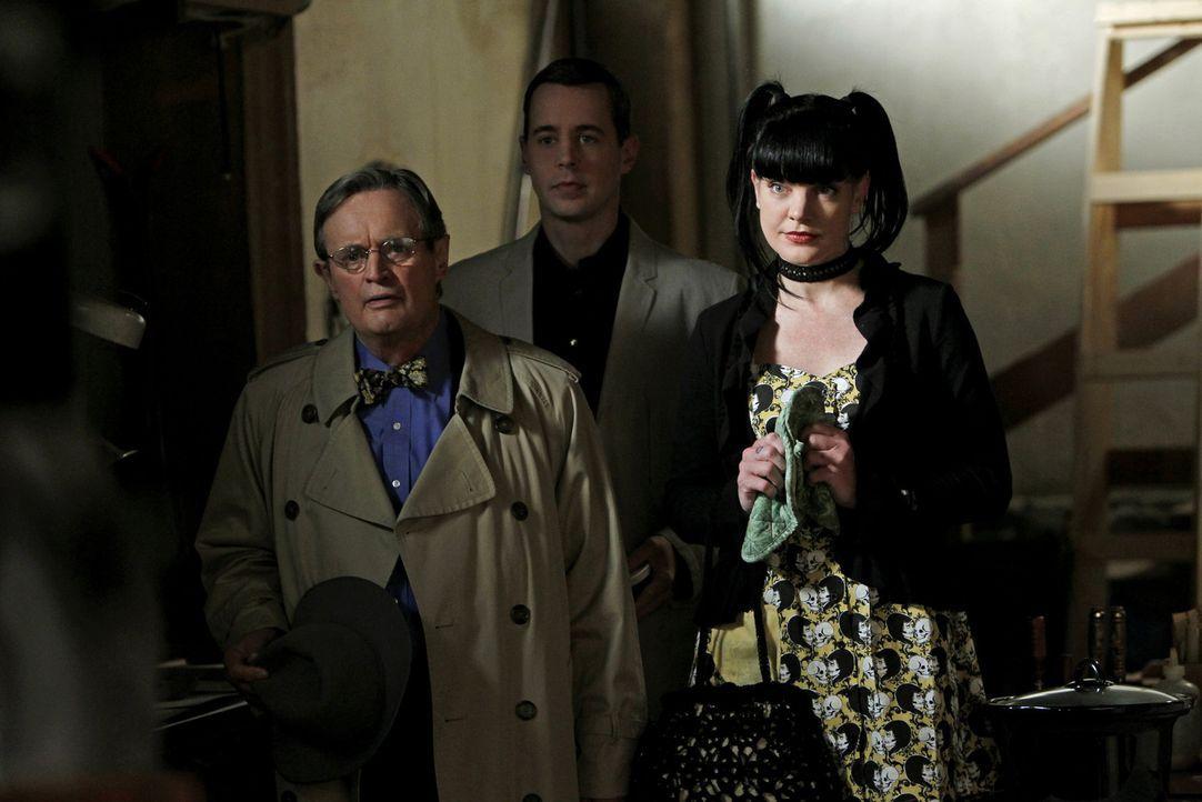 Machen sich Sorgen um Gibbs: Ducky (David McCallum, l.), McGee (Sean Murray, M.) und Abby (Pauley Perrette, r.) ... - Bildquelle: CBS Television