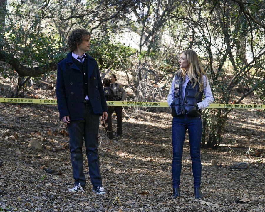 Dr. Spencer Reid (Matthew Gray Gubler, l.); Jennifer Jareau (A.J. Cook, r.) - Bildquelle: Cliff Lipson ABC Studios / Cliff Lipson