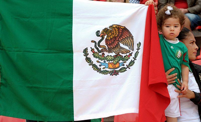 mexico-flagge-dpa - Bildquelle: Verwendung weltweit, usage worldwide