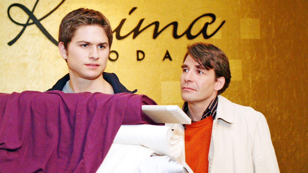 verliebt-in-berlin-folge-22-01-SAT1-Monika-Schuerle - Bildquelle: SAT.1/Monika Schürle