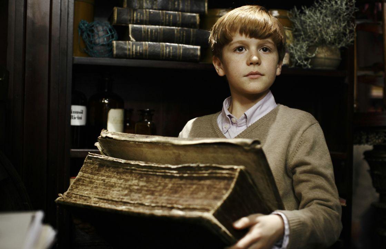 Erweist sich als Retter in allergrößten Not: der kleine Ludo (Jonas Holdenrieder) ... - Bildquelle: 2012 Sony Pictures Television, Inc. All Rights Reserved.