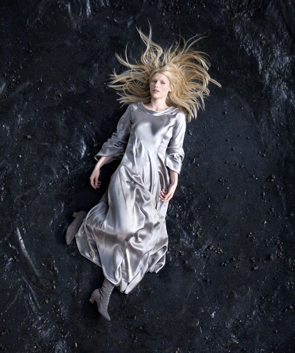 So sehen Sternschnuppen aus: Als Yvaine (Claire Danes) vom Himmel fällt, weiß sie nicht, wie ihr geschieht. Sie hat jedoch nicht viel Zeit, denn p... - Bildquelle: 2006 Paramount Pictures. All Rights Reserved.